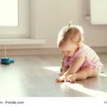 sitzendes-Baby
